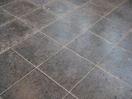 Come pulire stucco dalla Travertino