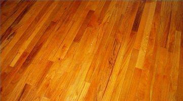 Come Refinish Oak Pavimenti in legno