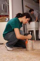 Come dipingere un muro con una spazzola della polvere