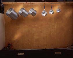 Come fare un Hanging Pot & Pan Rack per la cucina