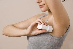 Come utilizzare alcool per rimuovere macchie antitraspiranti