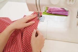 Le istruzioni su come usare una macchina da cucire
