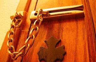 Tipi di serrature per porte che non richiede la foratura