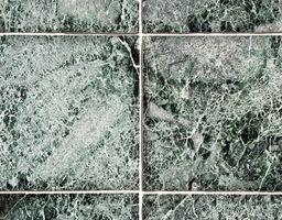 Come faccio ad avere secchi Grout Off di marmo anticato Tile?