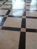 La Cura e manutenzione di pavimenti in marmo