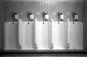 Come riparare una valvola a livello Sloan che si ripete Flushing