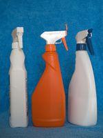 Perché sono Household ammoniaca e Aceto usate come agenti di pulizia?