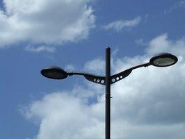 Come faccio a ottenere un'illuminazione uniforme su un parcheggio con 20 piedi High Light polacchi?