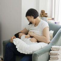 Come uscire macchie latte materno in vestiti del bambino