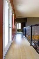 Come rimuovere le macchie nere da pavimenti in legno