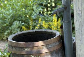 Come reindirizzare acqua piovana per mantenere un cantiere dalle inondazioni