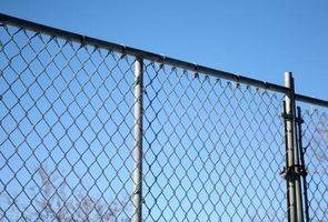 Come costruire una recinzione
