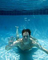 Come rimuovere le alghe dalla piscina
