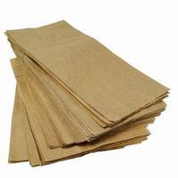 Come coprire un pavimento con sacchetti di carta marrone