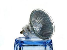 Come cambiare lampadine faro