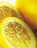 Come sbarazzarsi di muffa su legno con bicarbonato di sodio e succo di limone Spray