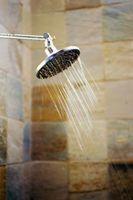 Come pulire Clear-Coated porte doccia in vetro