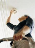 Come mettere correttamente un rilevatore di fumo sul tornio e soffitti in gesso