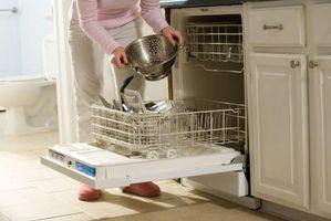 Come risolvere una lavastoviglie non si spruzza il cestello superiore