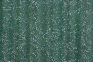 Ciò che dissolve in fibra di vetro resina?