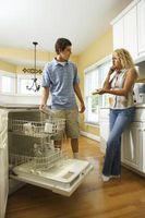 Come pulire macchie nere in lavastoviglie