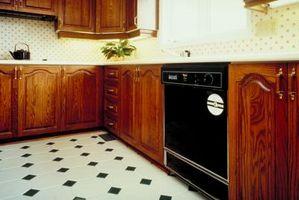 Come sbarazzarsi di decolorazione Off pavimenti in linoleum